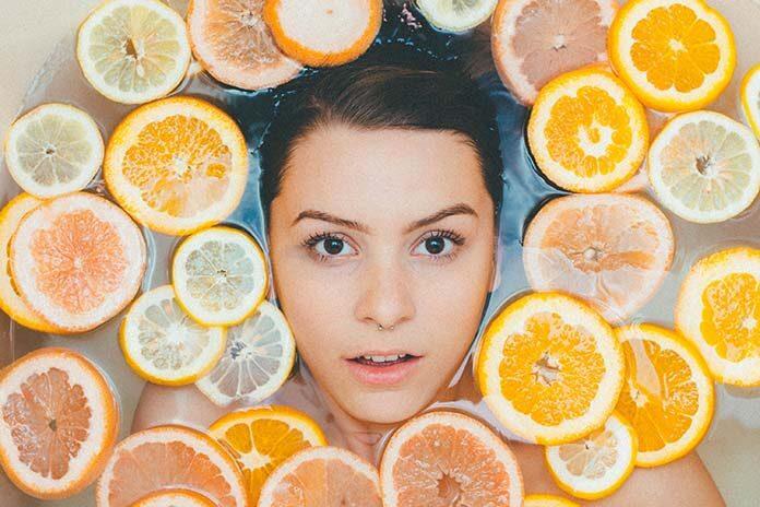 Oczyszczanie twarzy z wągrów